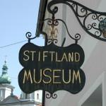 Stiftlandmuseum, Türschild