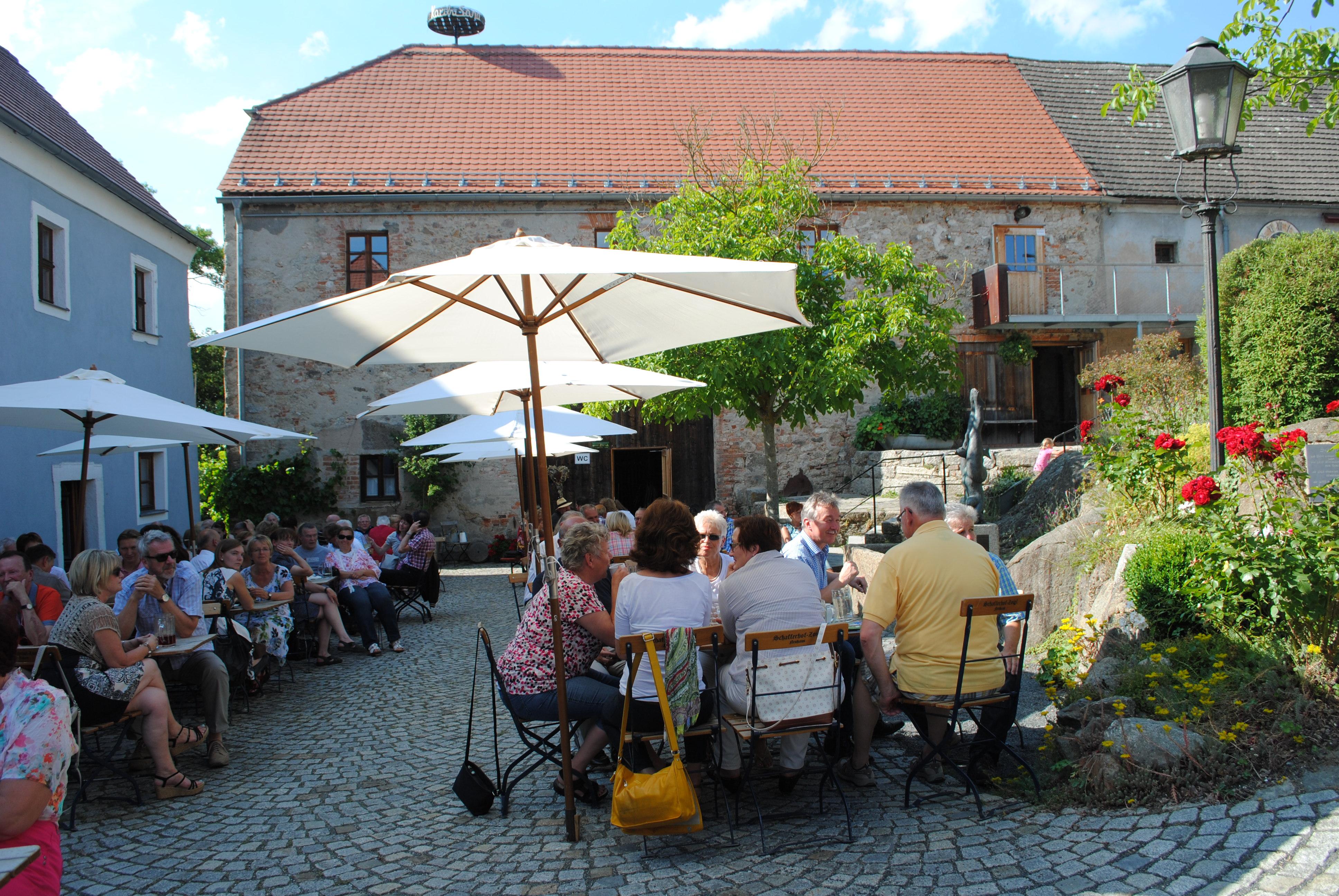 Biergarten Schafferhof Neuhaus